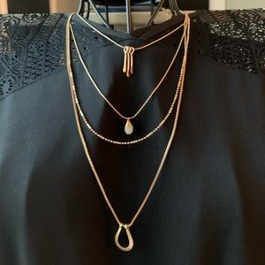NWT Gold layered necklace